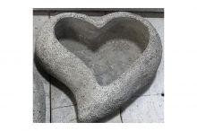 Obal na květiny, srdce - betonová dekorace